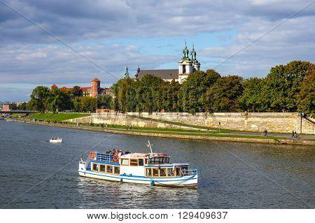 Krakow, Poland - September 27, 2015: Vistula River In The Historic City Center Of Krakow, Poland