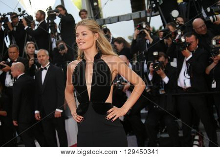 Doutzen Kroes attends the 'Cafe Society' premiere and the Opening Night Gala during the 69th Cannes Film Festival at the Palais des Festivals on May 11, 2016 in Cannes, France.
