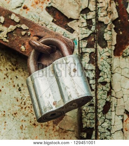 Pattern Old Style with Craquelures and Rust Metal Lock,Toned