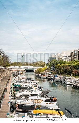 PARIS, FRANCE - May 7 : Street view of  river Seine in Paris city on May 7, 2016, in Paris, France.