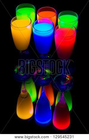 six colour goblets costing on mirror table