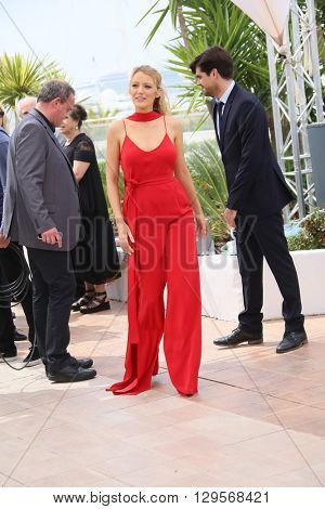 Blake Lively attends the 'Cafe Society' Photocall during The 69th Annual Cannes Film Festival on May 11, 2016 in Cannes, France.