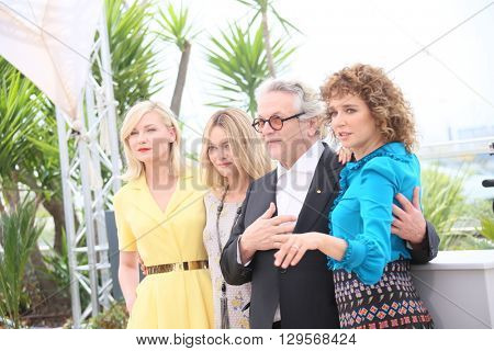 Kirsten Dunst, Vanessa Paradis, George Miller and Valeria Golino attends the jury photocall during the 69th annual Cannes Film Festival at Palais des Festivals on May 11, 2016 in Cannes, France.
