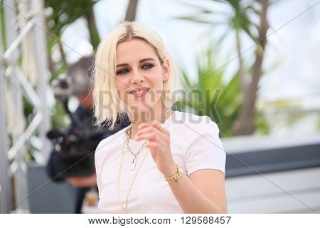 Kristen Stewart attends the 'Cafe Society' Photocall during The 69th Annual Cannes Film Festival on May 11, 2016 in Cannes, France.
