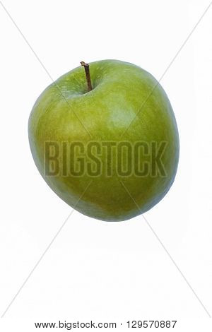 Granny Smith apple (Malus domestica Granny Smith). Hybrid between Malus domestica and Malus sylvestris. Image of single apple isolated on white background