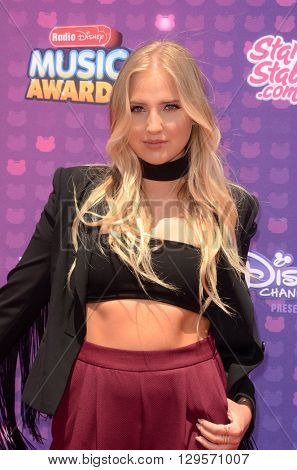 LOS ANGELES - APR 29:  Veronica Dunne at the 2016 Radio Disney Music Awards at the Microsoft Theater on April 29, 2016 in Los Angeles, CA