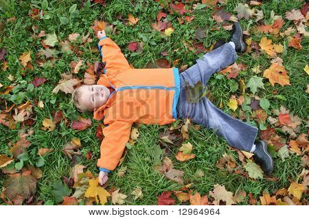 autumn child lies like star