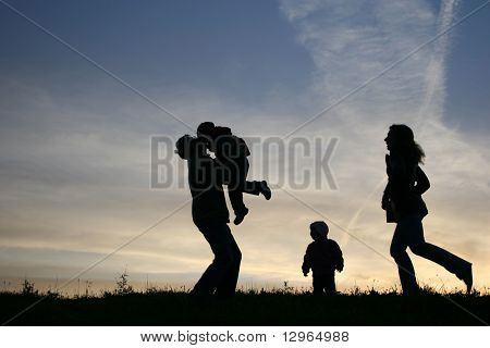 silhouette family of four