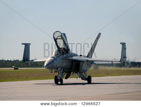 Us Navy F/a-18 Jetfighter Landing At Ellington Field