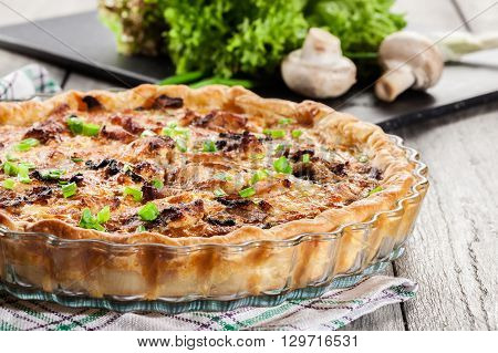 Tart With Chicken, Mushrooms And Cheese