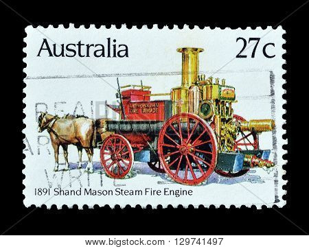 AUSTRALIA - CIRCA 1982 : Cancelled postage stamp printed by Australia, that shows Old fire engine.