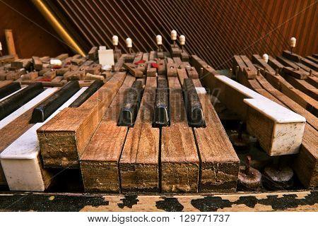 Old Broken Piano