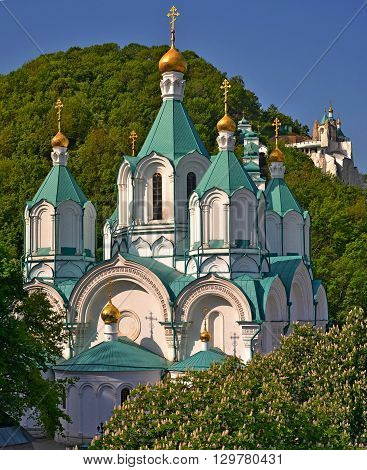 Among the many lovely places in the Russian lands. This is the Svyatogorsk Lavra,situated in the Holy Mountains on the bank of the Seversky Donets river.