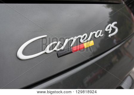 Porsche 911 Carrera 4S Logo