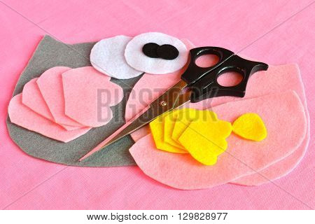 Sewing set for felt owl - how to make an owl toy. Scissors, felt owl patterns