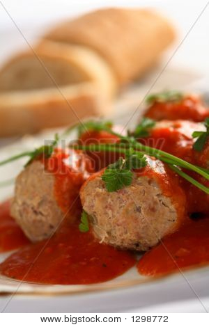 Meatballs With Tomatoes Dressing