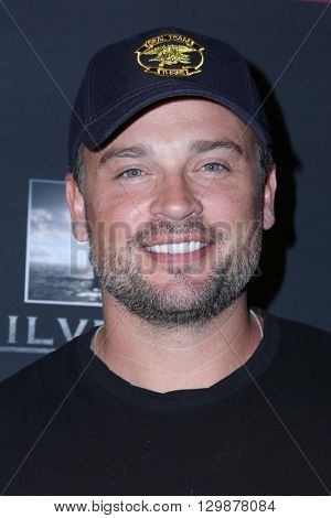 LOS ANGELES - MAY 10:  Tom Welling at the Launch of 8 Bullets to Hell at the Private Location on May 10, 2016 in Los Angeles, CA