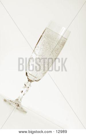 Champagne Tritone