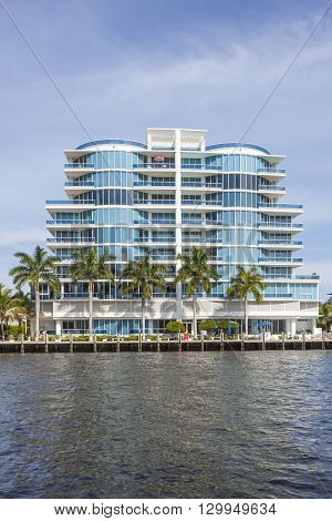 New Appartment Buildings At The Canal In Fort Lauderdale