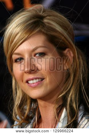 Jenna Elfman at the Los Angeles premiere of 'Collateral' held at the Orpheum Theatre in Los Angeles, USA on August 2, 2004.