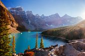 Постер, плакат: Moraine Lake Lake Louise Banff National Park