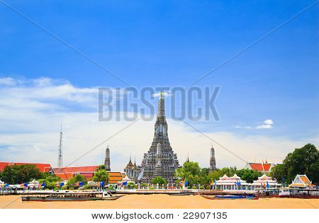 Wat Arun, The Temple Of Dawn, View Across Chaopraya, River. Bangkok, Thailand