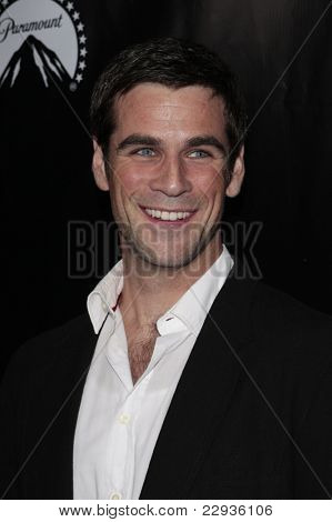 LOS ANGELES - NOV 1: Eddie Cahill at the CSI NY 100th episode party at the Edison Downtown, Los Angeles, California on November 1, 2008