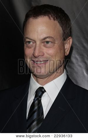 LOS ANGELES - NOV 1: Gary Sinise at the CSI NY 100th episode party at the Edison Downtown, Los Angeles, California on November 1, 2008