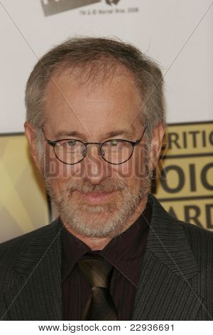 SANTA MONICA - JAN 9: Steven Spielberg arrives at the11th annual Critics Choice Awards held at the Santa Monica Civic Center in Santa Monica, California on 9th January 2006