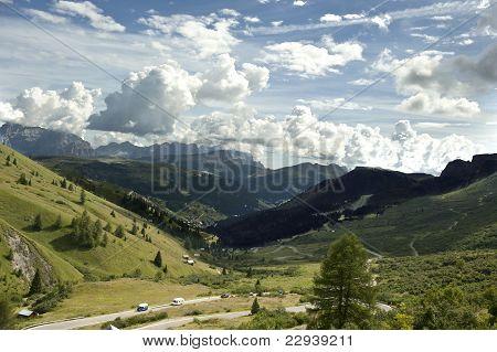 Gardena Pass Overview