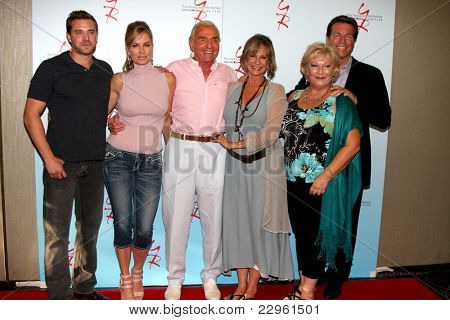 LOS ANGELES - AUG 26:  Billy Miller, E Davidson, Jerry Douglas, J Walton, Beth Maitland, Peter Bergman at the Y&R Fan Dinner 2011 at the Universal Sheraton Hotel on August 26, 2011 in Los Angeles, CA