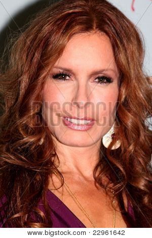 LOS ANGELES - AUG 26:  Tracey Bregman attending the Young & Restless Fan Dinner 2011 at the Universal Sheraton Hotel on August 26, 2011 in Los Angeles, CA