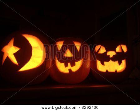 Brilhante Halloween Jack-O-lanternas