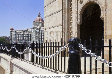The Taj  and India Gateway Railings And Arch