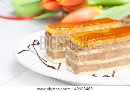 Caramel layer cake
