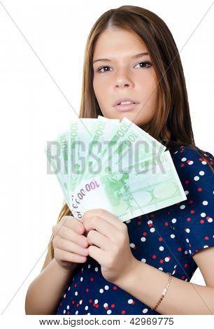 La hermosa chica con billetes de euro aislado