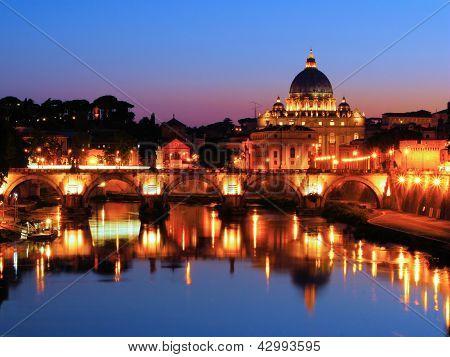 Vista nocturna del Vaticano
