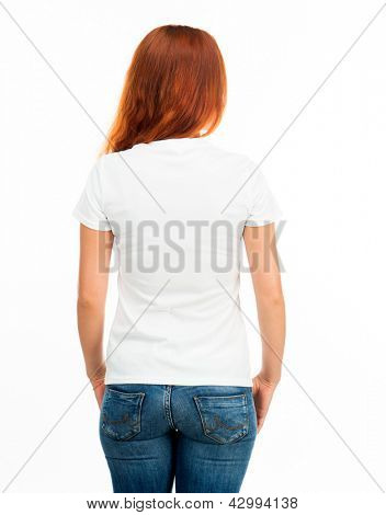 Chica en camiseta blanco sobre blanco (parte posterior)