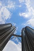 picture of petronas twin towers  - Twin towers sky and sun  - JPG