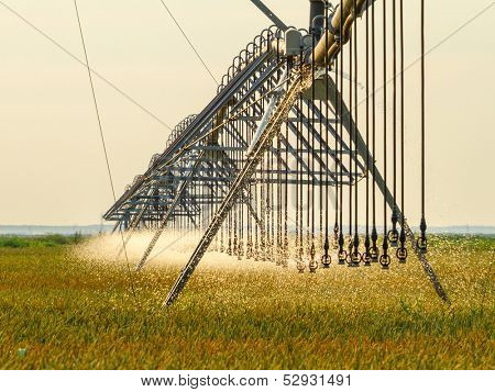 Crop Irrigation using the center pivot sprinkler system