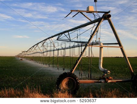 Center Pivot Sprinkler And Farm