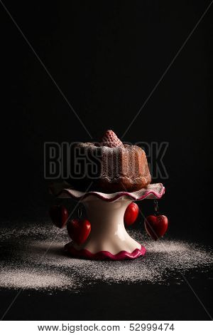 Lemon Vanilla Mini Pound (bundt) Cake With Strawberry And Icing Sugar On Stand With Hearts