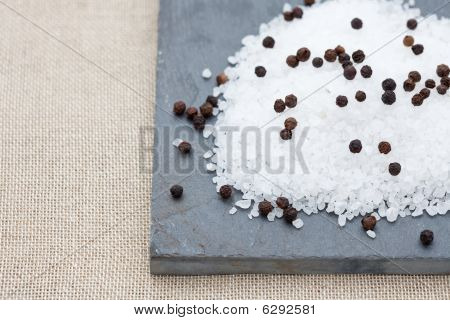 Sea Salt With Pepper Corns