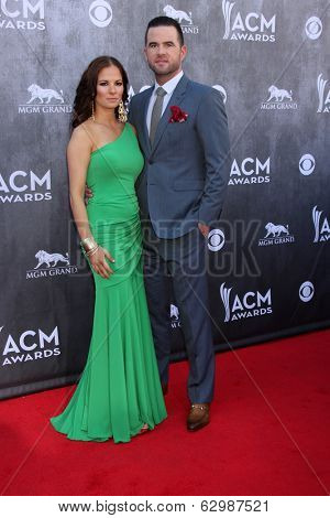 LAS VEGAS - APR 6:  Catherine Werne, David Nail at the 2014 Academy of Country Music Awards - Arrivals at MGM Grand Garden Arena on April 6, 2014 in Las Vegas, NV