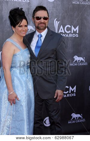 LAS VEGAS - APR 6:  Karen Morgan, Caren Morgan at the 2014 Academy of Country Music Awards - Arrivals at MGM Grand Garden Arena on April 6, 2014 in Las Vegas, NV