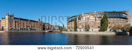Governmental offices in Sweden
