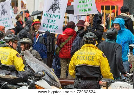 Portland Police Controlling Occupy Portland Crowd Of Protesters