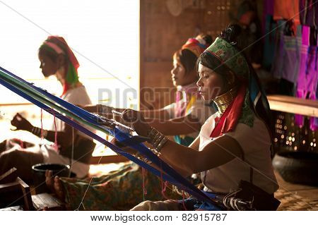 Group Of Kayan Lahwi Girl Is Weaving.