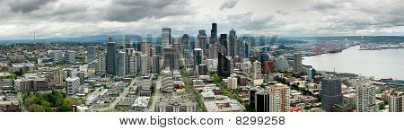 Seattle skyline across Lake Union