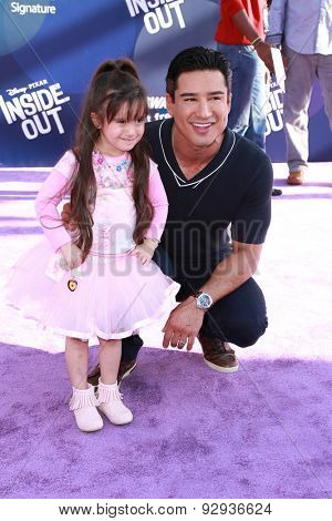LOS ANGELES - JUN 8:  Mario Lopez, daughter at the